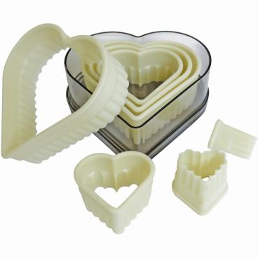 SCHNEIDER Ausstechersatz aus Nylon, Herz 7-teiliges Set, gezackt